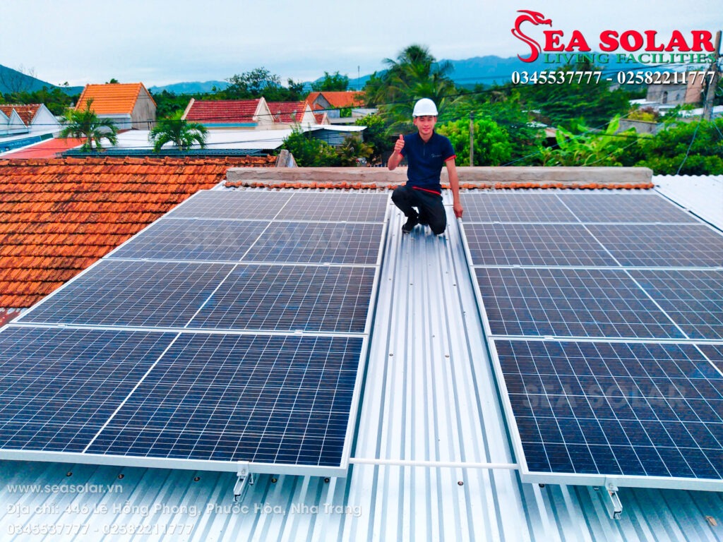 Hệ thống điện mặt trời áp mái hộ gia đình 5kWp tại Lạc An, Ninh Hòa.